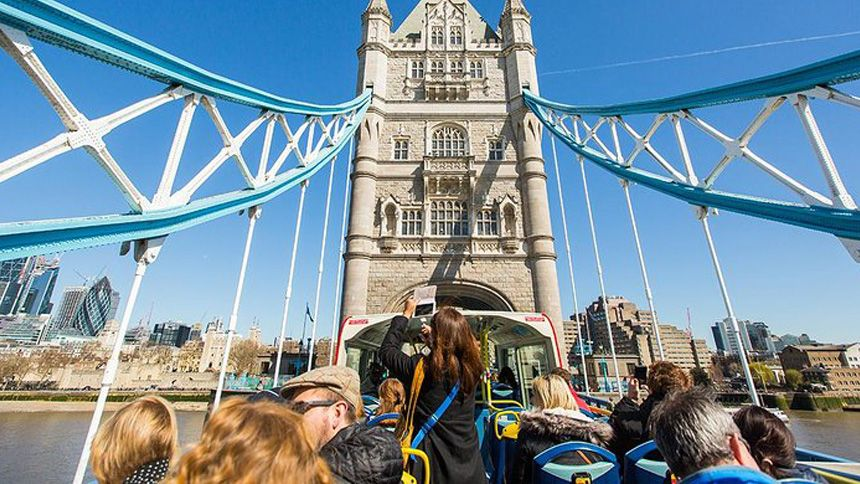 London Sightseeing Bus Tours. 10% Carers discount
